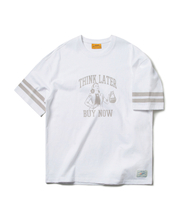 THINK LATER BUY NOW TEE (WHITE)_CMOEURS38UC2